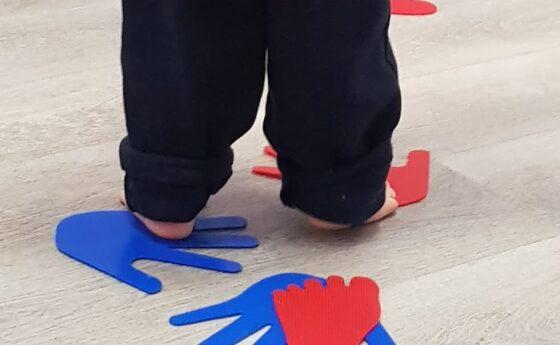 Nuestras actividades de experimentación sensorial están basadas en pedagogías activas
